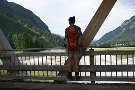 Der Lech, die Brücke und ich (Foto: hikekarin.com)