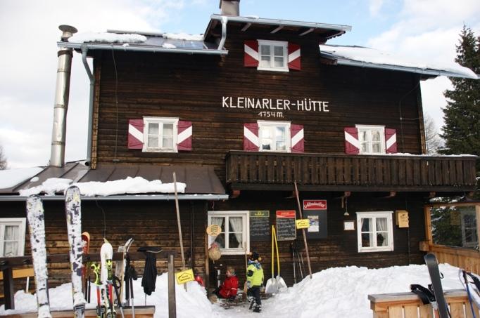 Die Kleinarler Hütte - ein Hingucker (Foto:hikekarin.com)