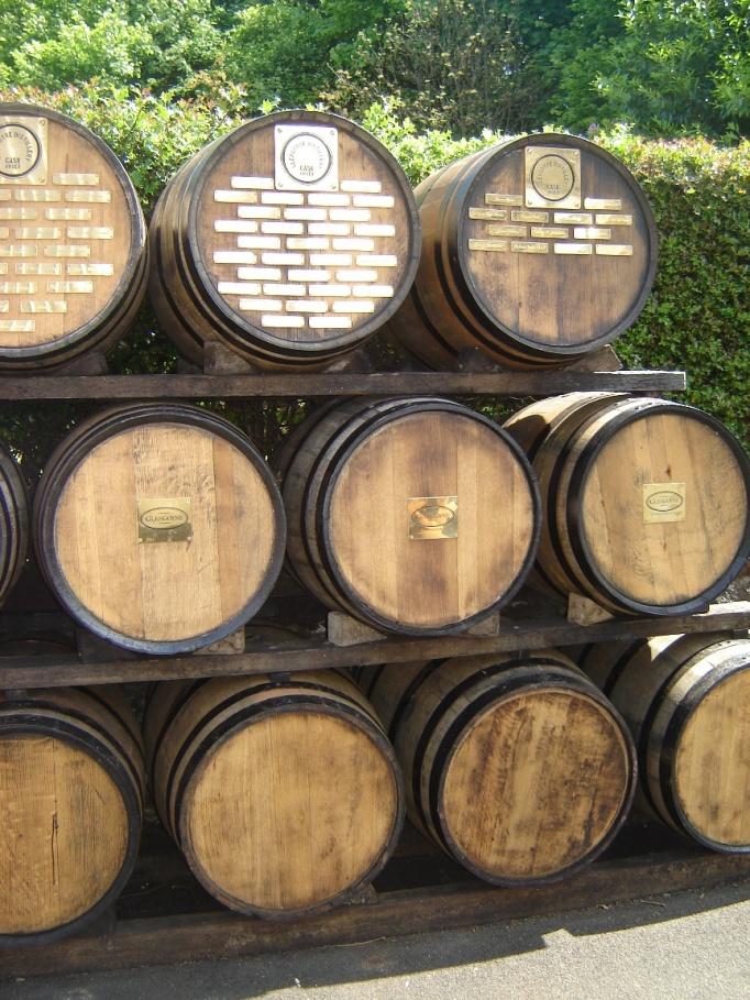 Eichenfässer geben dem Whisky eine besondere Note (Foto: Hikekarin.com)