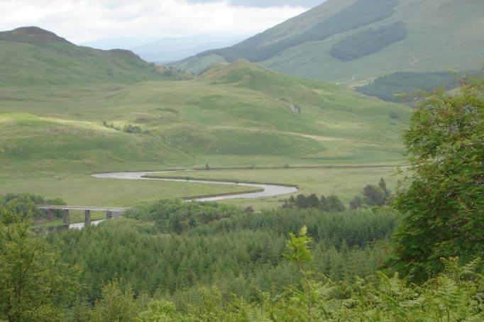 River Fillian mit seinen Mäandern (Foto: Hikekarin.com)