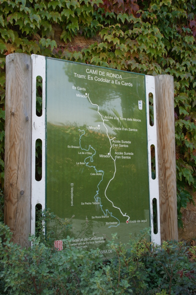 Infotafel zum Fernwanderweg (Foto: Hikekarin.com)