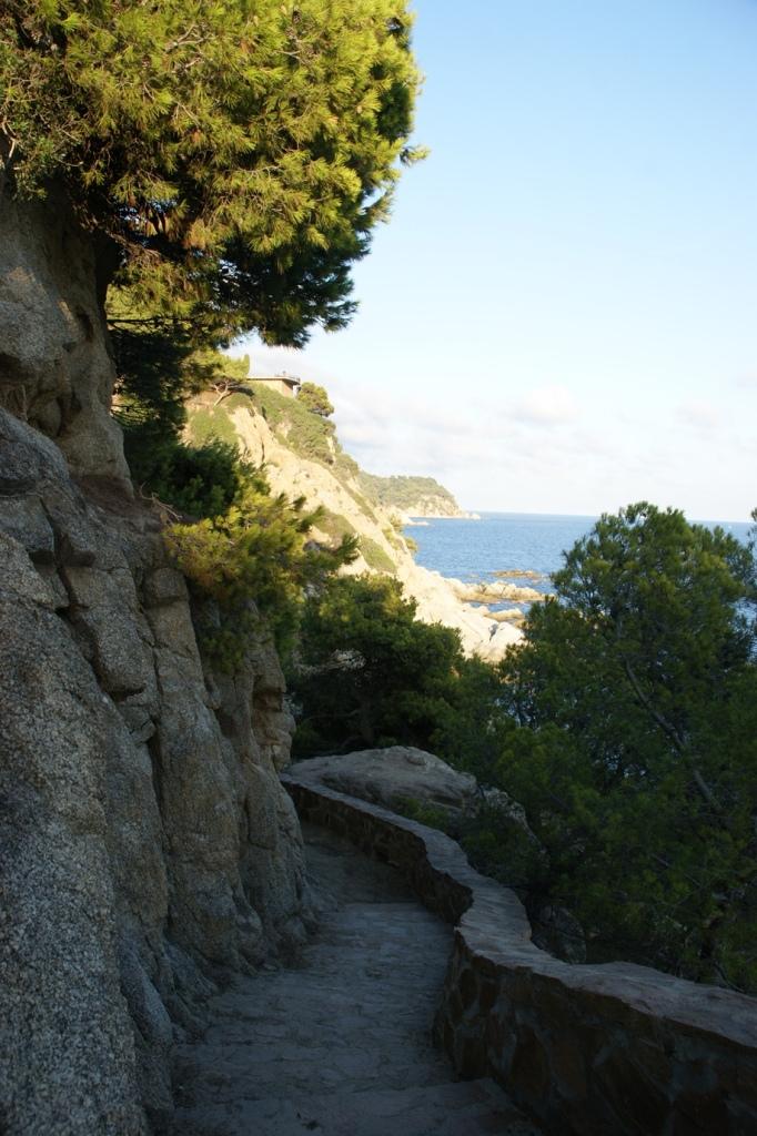 Befestigter Abschnitt des Camin de Ronda (Foto: Hikekarin.com)