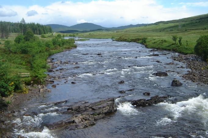 Der River Orchy wird gequert (Foto: Hikekarin.com)