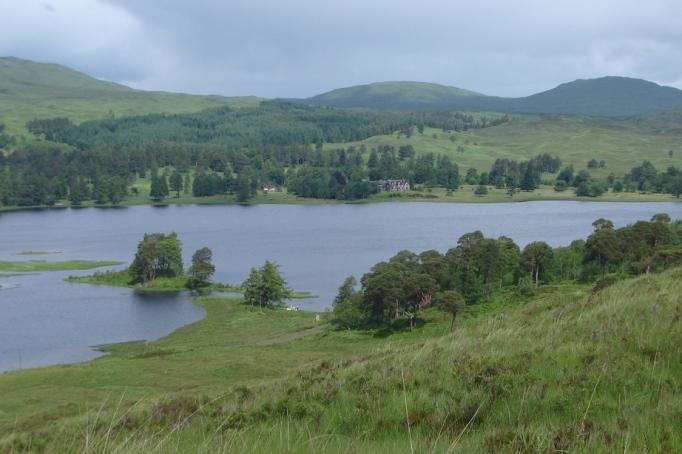 Loch Tulla von Nähe (Foto: Hikekarin.com)