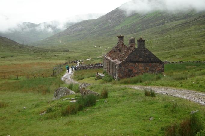 Verlassenes Haus in den Highlands (Foto: Hikekarin.com)