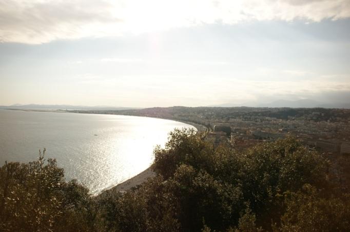 Blick auf Bucht von Nizza (Foto: Hikekarin.com)