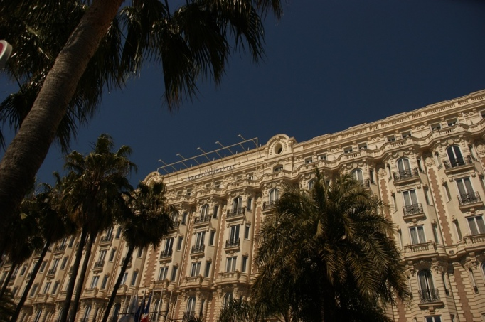 Das Luxushotel Carlton in Cannes (Foto: Hikekarin.com)