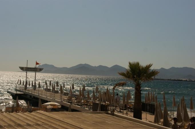 Echt hübsch hier - der Sandstrand von Cannes (Foto: Hikekarin.com)