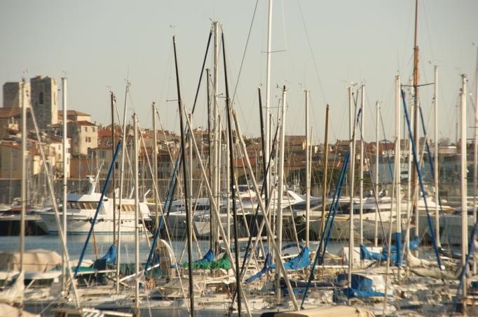 Port Vauban von Antibes ist Europas größter Yachthafen (Foto: Hikekarin.com)