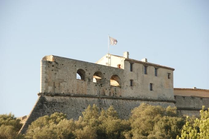 Fort Carré im Osten von Antibes (Foto: Hikekarin.com)