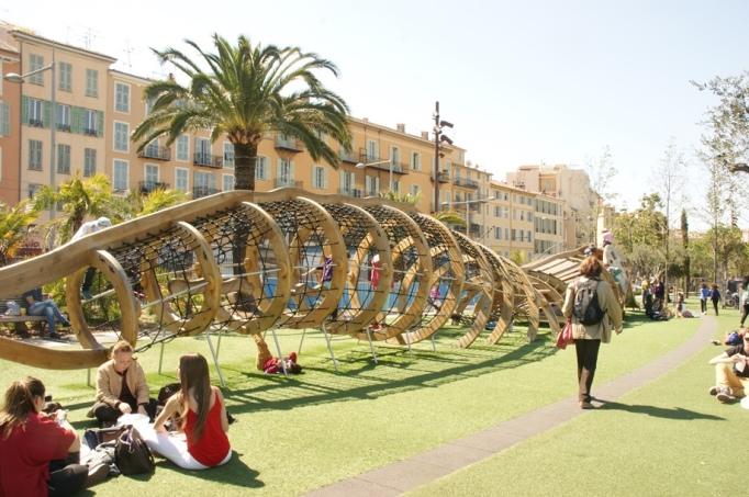 Schönes Freizeitareal an der Promenade (Foto: Hikekarin.com)