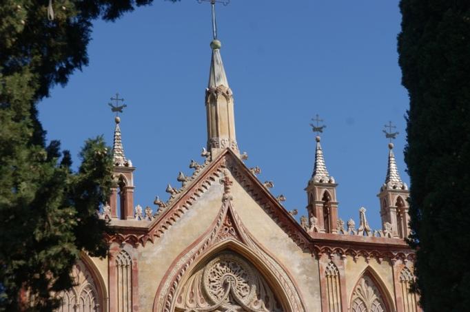 Dachdetails - Kirche Notre Dame im Stadtteil Cimiez (Foto: Hikekarin.com)