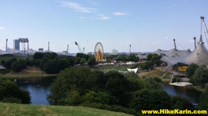 Olympiapark mit Olympiastadion und Rummel