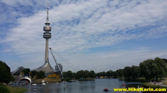 Olympiapark mit Turm und See